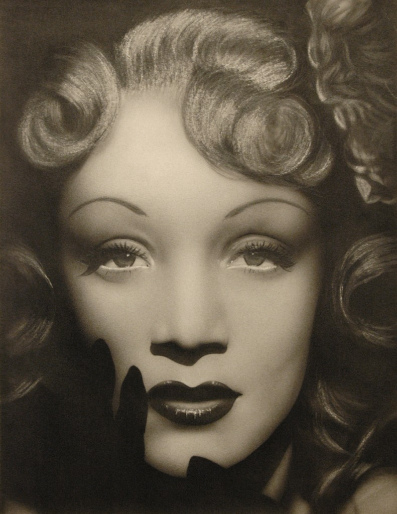 Risultati immagini per Bocciolo di rosa (labbra a) anni venti