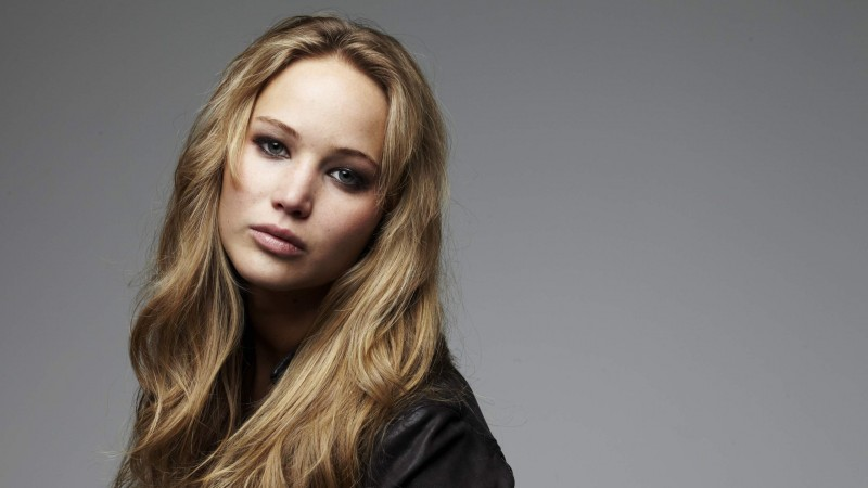 jennifer-lawrence-blonde-hair-wallpapers_36716_2560x1440