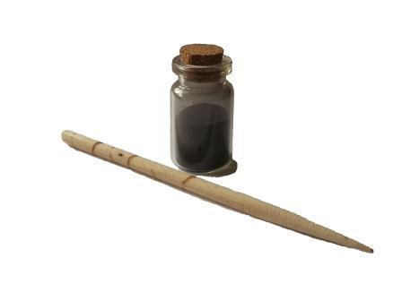 bastoncino di legno e kohl in polvere