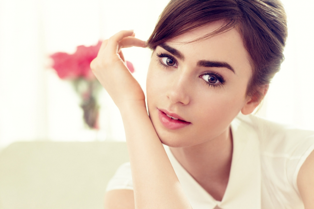 lily-collins-lancome-photoshoot-s_s-2014-x4