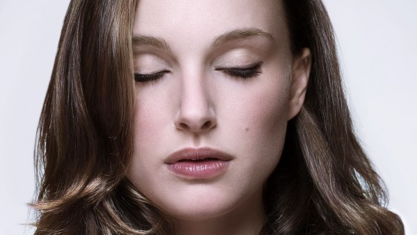 natalie-portman-closed-eyes-wallpaper_1355089847