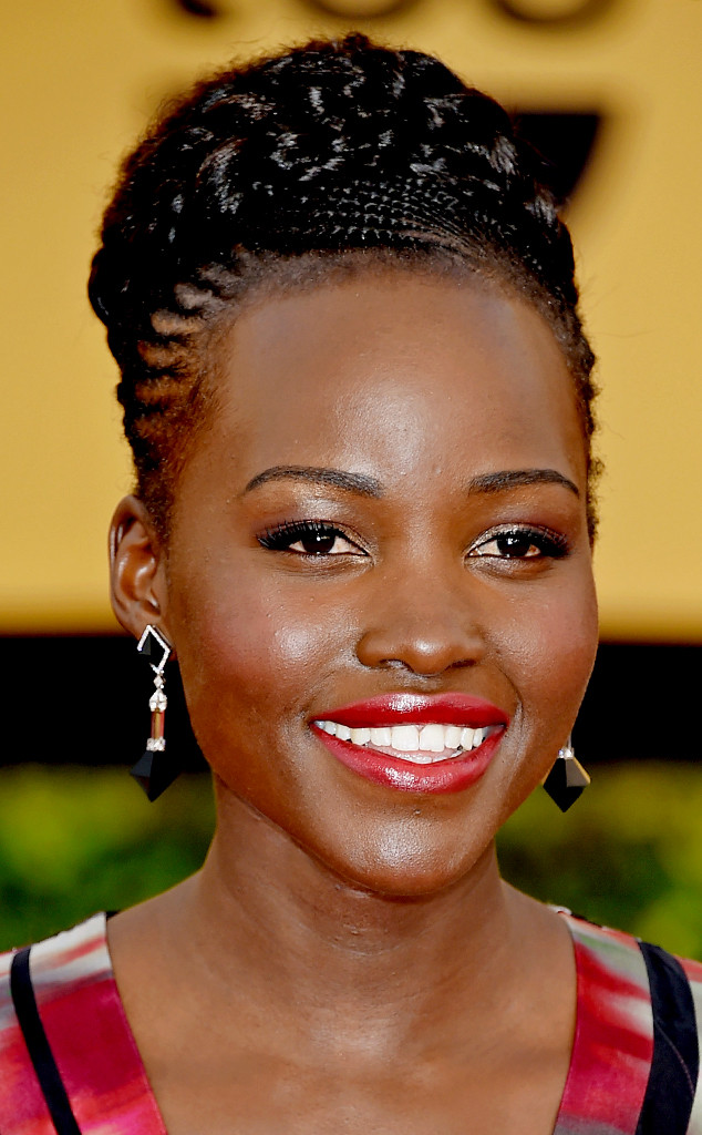 rs_634x1024-150125185439-634.lupita-beauty-sags-0115